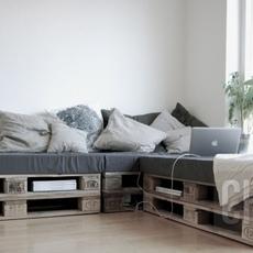 แต่งห้องแบบประหยัด ทำโซฟาจากไม้พาเลท