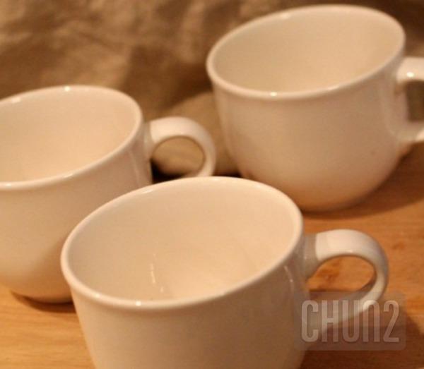 รูป 3 ไอเดียทำกระถางดอกไม้เล็กๆ จากแก้วกาแฟ