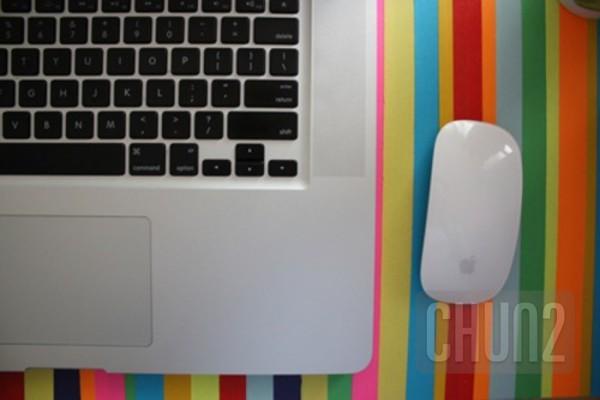 รูป 2 ตกแต่งโต๊ะทำงาน ให้มีสีสัน