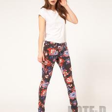 กางเกงลายดอกไม้ เลือกชุดใส่ยังไงดี