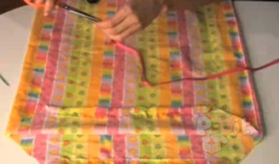 รูป 6 สอนทำชุดเดรส สำหรับเด็ก จากปลอกหมอน