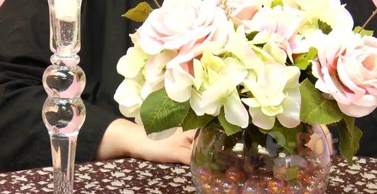 รูป 5 สอนจัดดอกไม้ ประดับเชิงเทียน วันแต่งงาน
