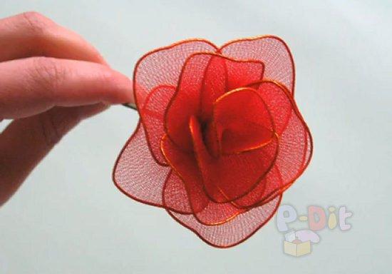 รูป 2 วิธีทำดอกไม้จากผ้าใยบัว