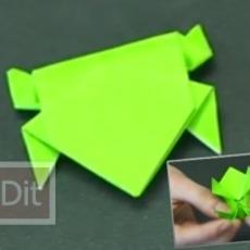 คลิปสอนพับกบกระดาษ กระโดดได้
