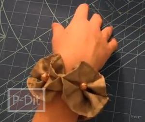 วิธีทำสร้อยข้อมือ รูปดอกไม้สีน้ำตาล