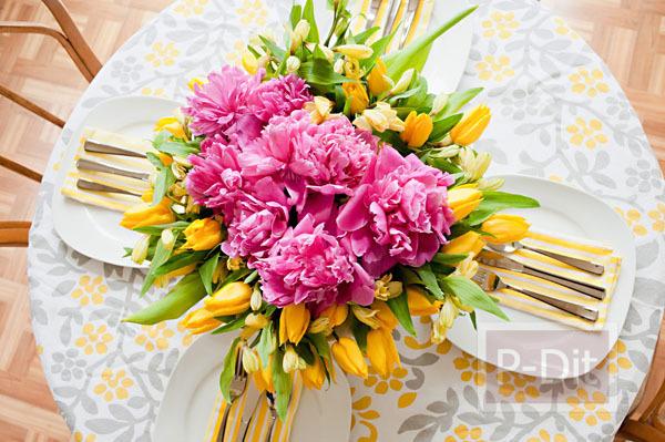 รูป 4 สอนจัดดอกไม้ ในชามปากกว้าง