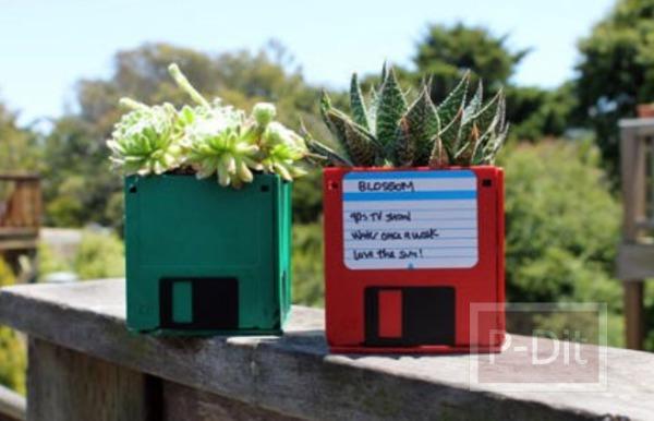 รูป 2 ตกแต่งกระถางต้นไม้ด้วย floppy disk