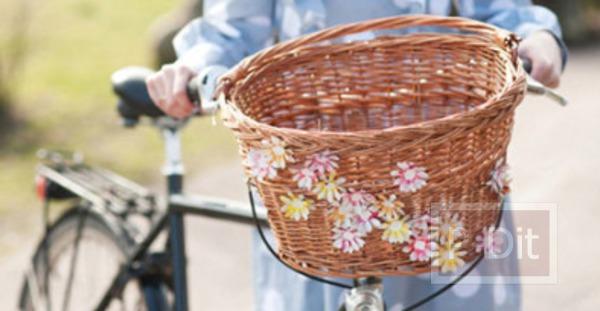 รูป 2 ดอกไม้ตกแต่ง ทำจากกระป๋องน้ำอัดลม