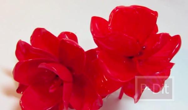 รูป 3 สอนทำดอกกุหลาบ จากช้อนพลาสติก