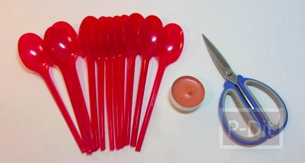 รูป 4 สอนทำดอกกุหลาบ จากช้อนพลาสติก