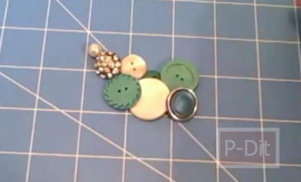 รูป 3 สร้อยคอทำจากกระดุม