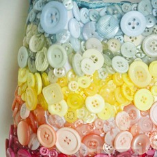 ตกแต่งถุงผ้า ด้วยกระดุมหลากสี