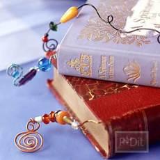 ที่คั่นหนังสือ ทำจากลวด และลูกปัด