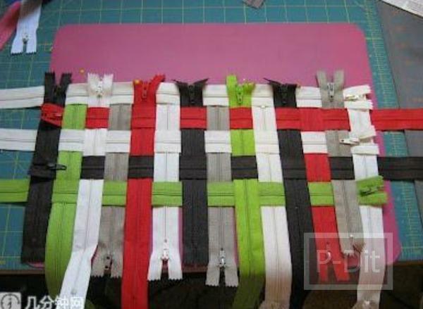 รูป 2 ทำกระเป๋าถือน่ารักๆ จากซิปหลากสี