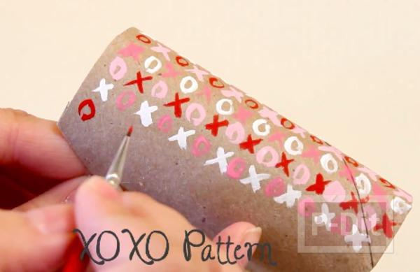 รูป 6 ทำกล่องใส่ของขวัญ จากแกนกระดาษทิชชู
