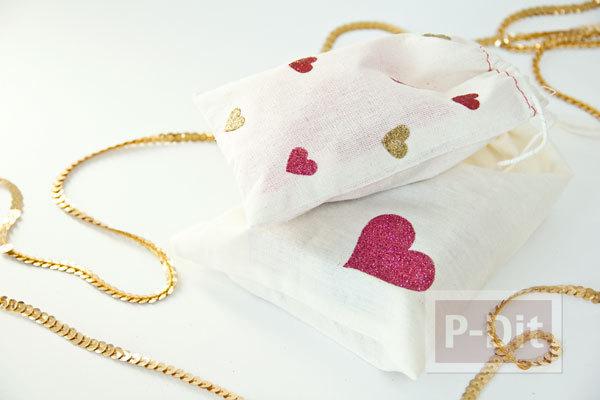 รูป 7 ตกแต่งถุงผ้าให้มีลายหัวใจ น่ารักๆ