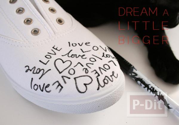 รูป 3 ตกแต่งรองเท้าให้มีลาย คำพูดน่ารักๆพร้อมรูปหัวใจ