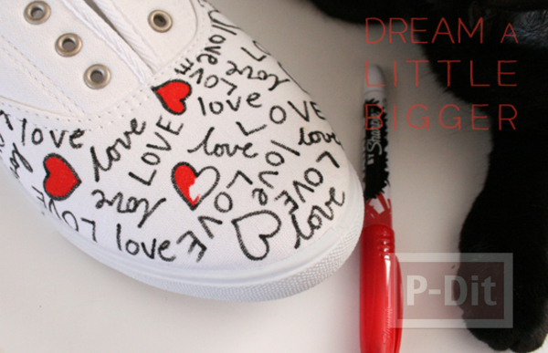 รูป 4 ตกแต่งรองเท้าให้มีลาย คำพูดน่ารักๆพร้อมรูปหัวใจ