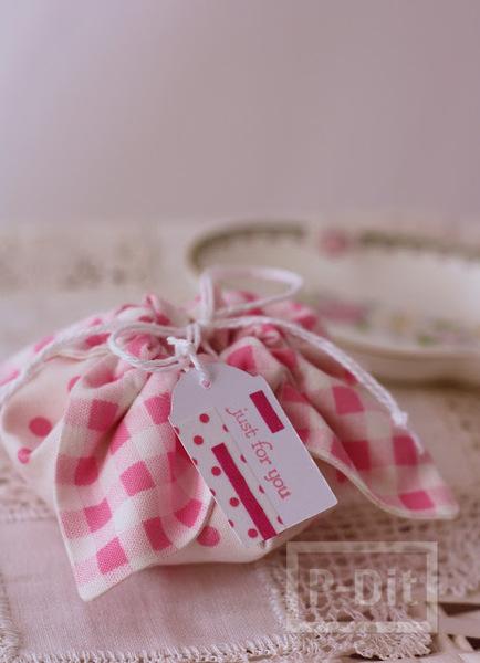 รูป 2 ทำถุงใส่ของขวัญชิ้นเล็กๆ น่ารักๆ