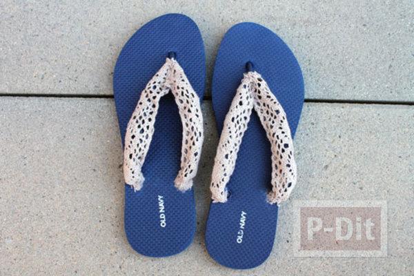 รูป 4 รองเท้าคีบ นำมาตกแต่ง ประดับสีสัน