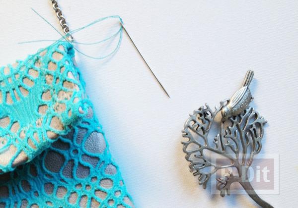 รูป 3 ซองใส่มือถือ ทำจากผ้าลูกไม้