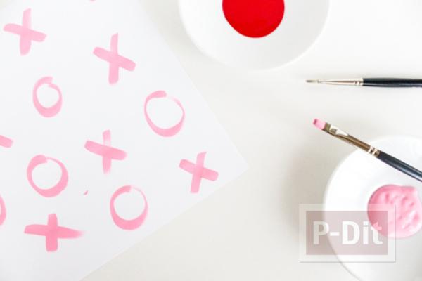รูป 2 กระดาษห่อของขวัญ ลายสวย ระบายสีชมพู-แดง