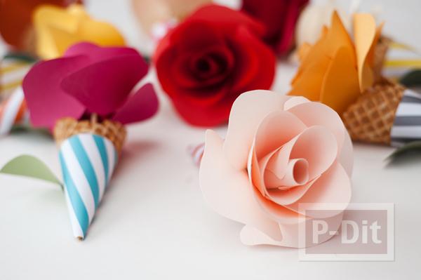 รูป 4 โคนดอกกุหลาบ ประดิษฐ์จากกระดาษสีสวย