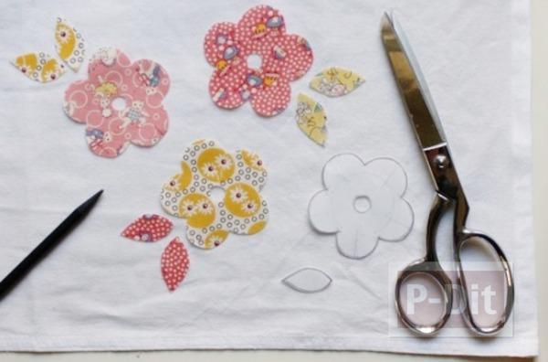 รูป 3 ตกแต่งผ้าเช็ดหน้า ลายดอกไม้