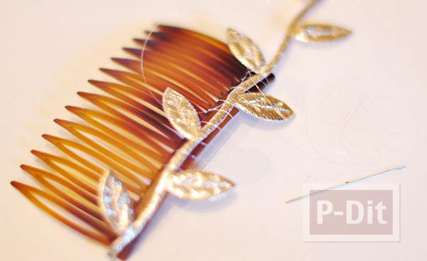รูป 3 ตกแต่งหวีสับผม ด้วยใบไม้สีทอง เม็ดพลาสติกหลากสี