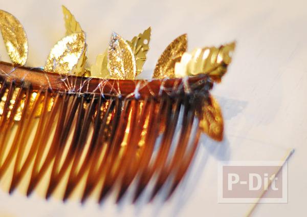 รูป 7 ตกแต่งหวีสับผม ด้วยใบไม้สีทอง เม็ดพลาสติกหลากสี