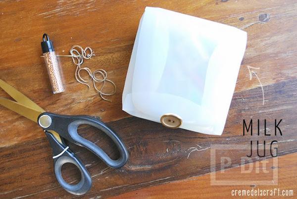รูป 4 กล่องเก็บของ ทำจากขวดนมเก่าๆ