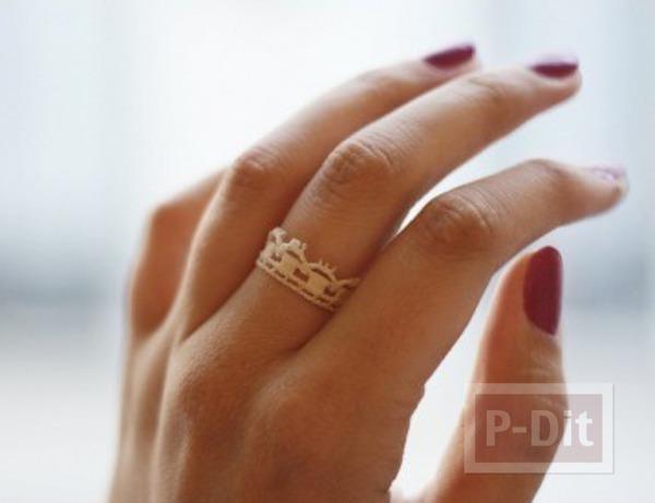 รูป 2 แหวนใส่เล่น ทำจากลูกไม้ สีขาว