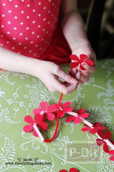 รูป 5 สร้อยคอดอกไม้แสนสวย สำหรับเด็ก