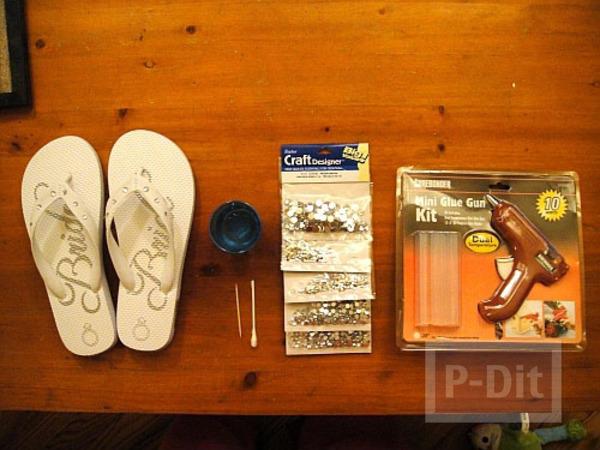 รูป 3 รองเท้าแตะ ตกแต่งด้วยเม็ดพลาสติก สวย สดใส