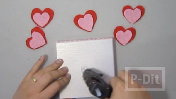รูป 5 ตกแต่งกล่องของขวัญ ด้วยดอกไม้ ประดับ