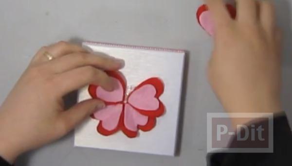 รูป 6 ตกแต่งกล่องของขวัญ ด้วยดอกไม้ ประดับ