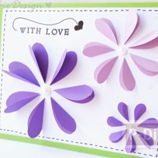 การ์ดส่งรัก ตกแต่งดอกไม้ กลีบหัวใจ