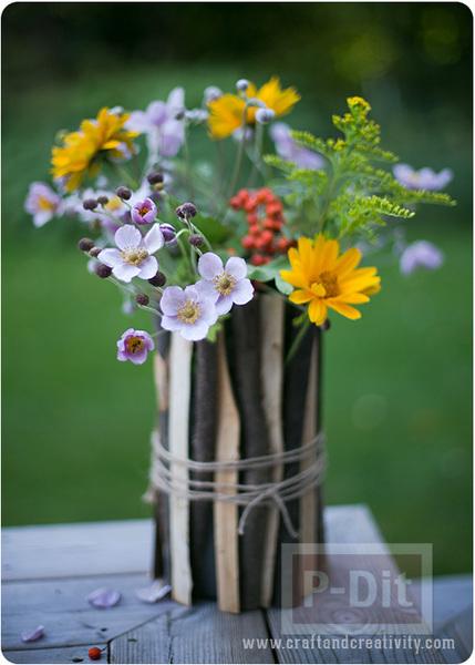 แจกันดอกไม้แสนสวย ตกแต่งด้วยกิ่งไม้