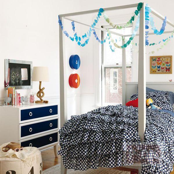 ตกแต่งห้องนอน โมบายสีสวย ทำจากกระดาษ