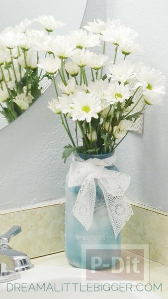 รูป 3 แจกันดอกไม้ ทำเอง ประดับห้องน้ำ