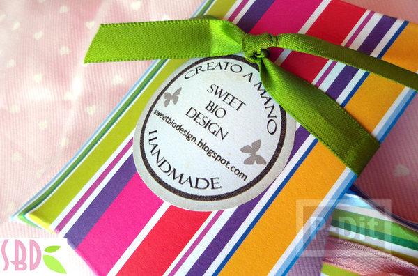 รูป 1 กล่องของขวัญ ทำเอง จากกระดาษสีสด
