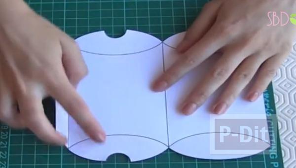 รูป 2 กล่องของขวัญ ทำเอง จากกระดาษสีสด
