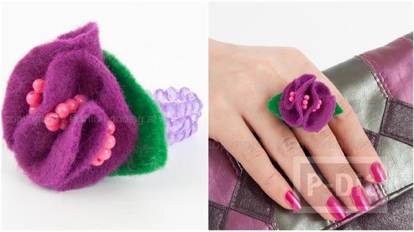 แหวนดอกไม้ ประดิษฐ์เองจากผ้าและลูกปัดเล็กๆ