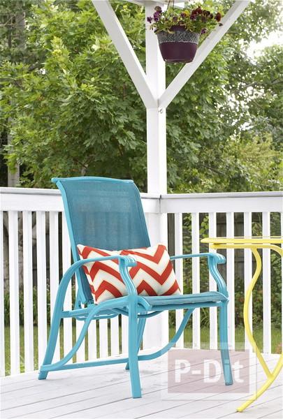 รูป 2 พ่นสีโต๊ะสีทึบ ในสวนหลังบ้าน ให้สีสวยสดใส น่านั่ง