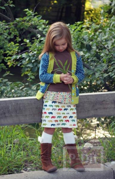 รูป 2 เย็บกระโปรงสั้น ลายน่ารัก สำหรับเด็ก