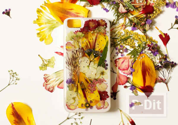 รูป 1 เคสมือถือ ตกแต่งสวยๆ จากดอกไม้แห้ง