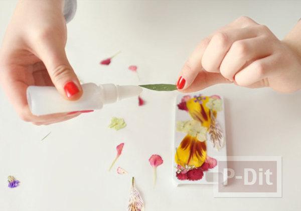รูป 2 เคสมือถือ ตกแต่งสวยๆ จากดอกไม้แห้ง