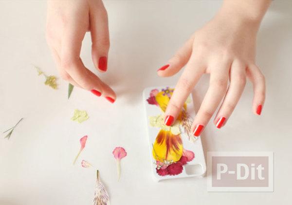 รูป 3 เคสมือถือ ตกแต่งสวยๆ จากดอกไม้แห้ง