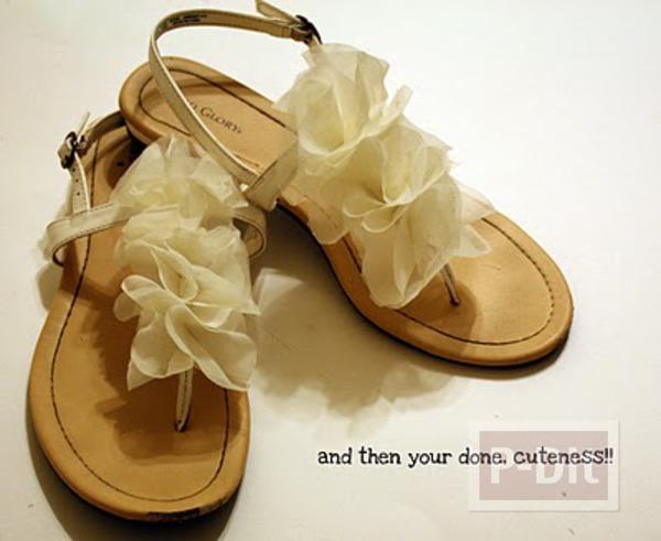 รองเท้ารัดส้น ตกแต่งลายดอก