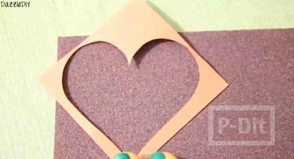 รูป 7 เพ้นท์เสื้อลายหัวใจ จากกระดาษทรายและสีเทียน